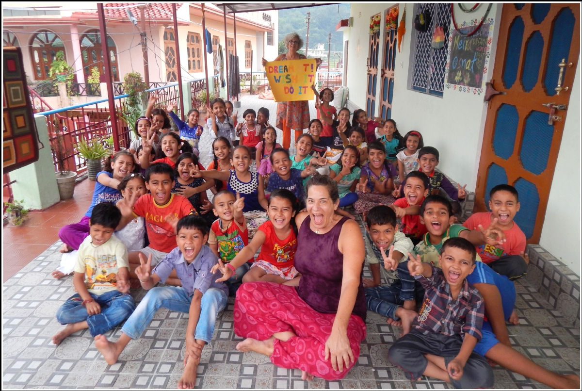 volunteer opportunities abroad family parents kids children holiday teaching india